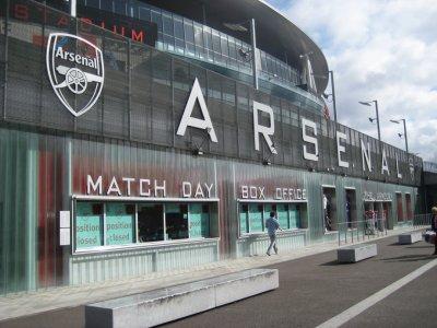 01_Arsenal.._Podium.jpg