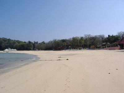2006_12_28..t_Beach.JPG