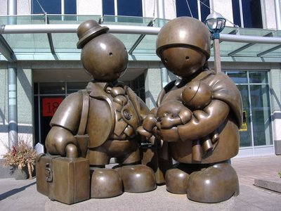 Immigrant family statue, Yonge Street, Toronto, Canada