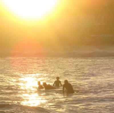 72011_03_07..Surfers.jpg