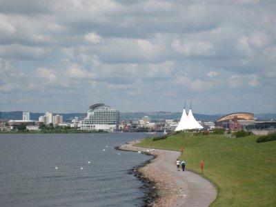 A085_Looki..Cardiff.jpg