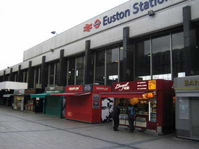 E010_Euston_Forecourt.jpg
