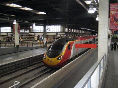 E012_Euston_Platform.jpg