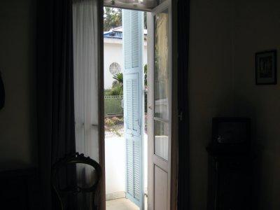F001_Hotel_Room.jpg