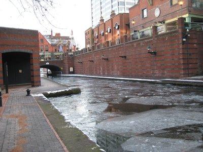 Frozen_Canal.jpg