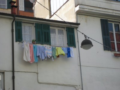 H022_Laundry.jpg