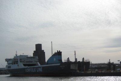 I014_Dublin_Ferries.jpg