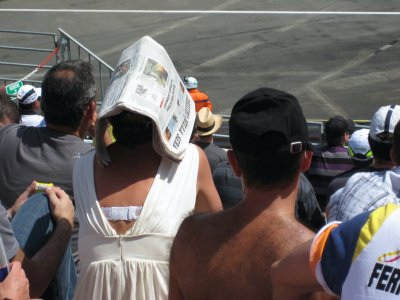 L055_Newspaper_Hat.jpg
