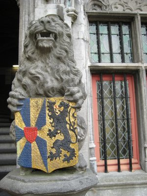 Lion_with_.._Brugge.jpg