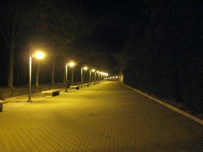 Lit_path_a..rcarril.jpg