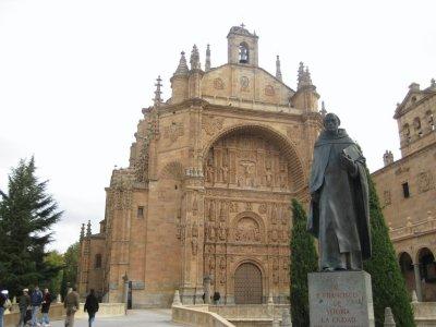 Statue_and..Esteban.jpg