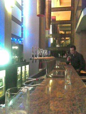 The_Crown_bar.jpg