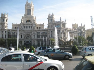 Traffic in Plaza de Cibeles