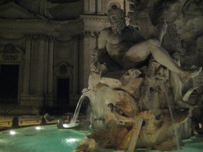 Trevi_Fountain_4.jpg