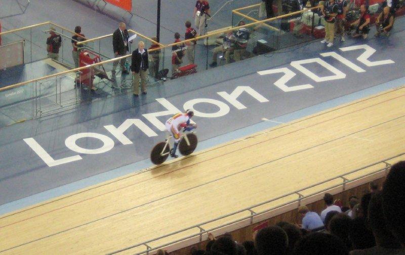 2012 09 01 Velodrome past London 2012 sign