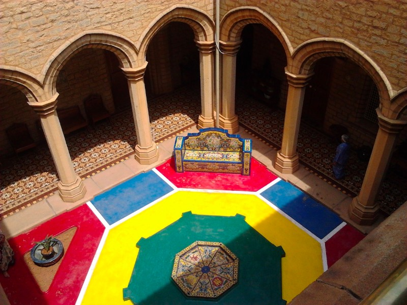 Colourful courtyard, Bangalore Palace