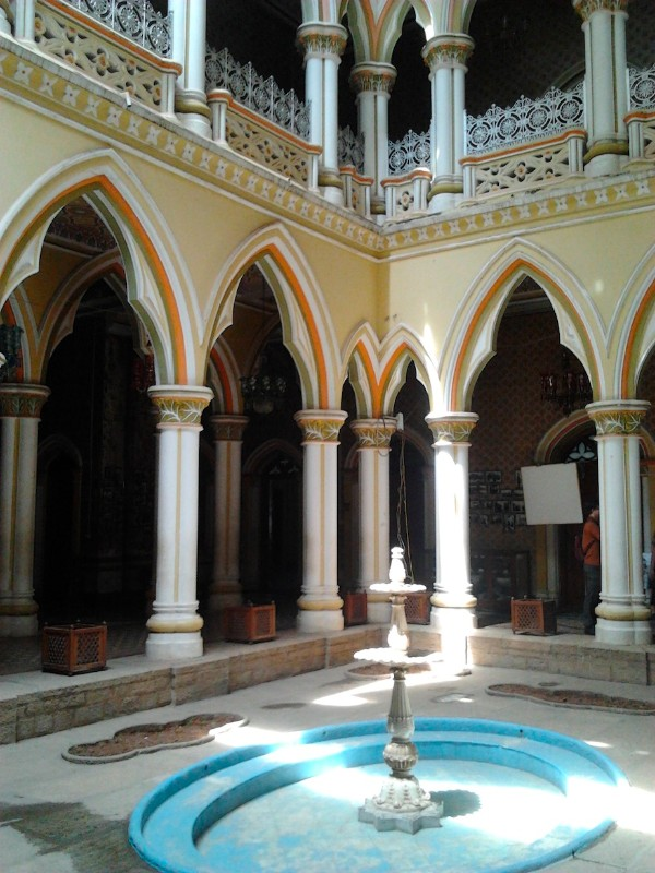 Courtyard with fountain, Bangalore Palace