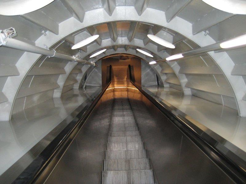 Long Escalator Up, Atomium