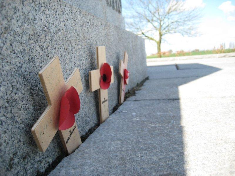 Crosses Canadian Memorial, Passendale