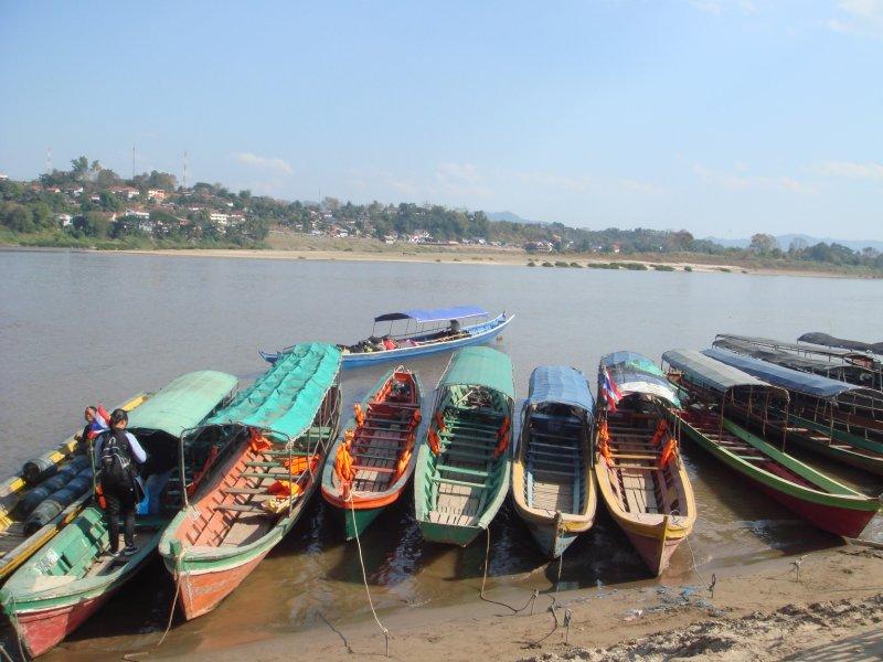 crossing border boats