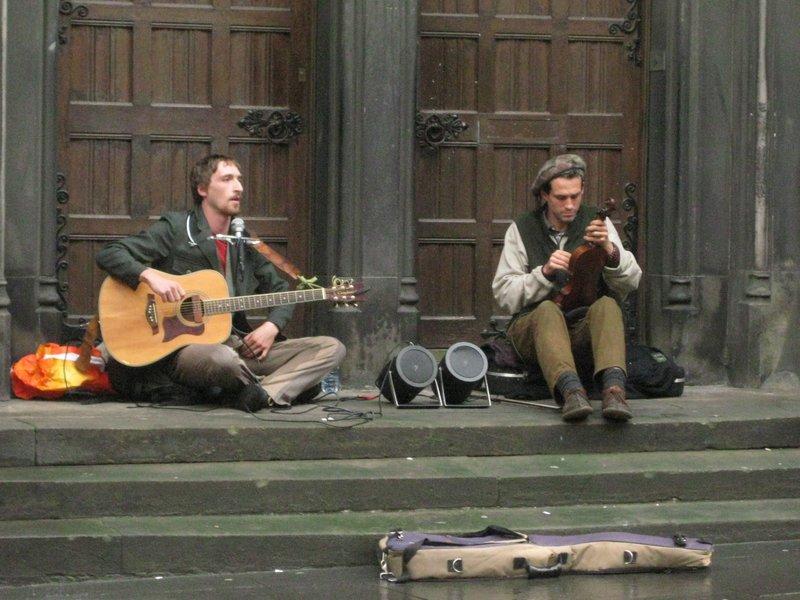 Royal Mile performers