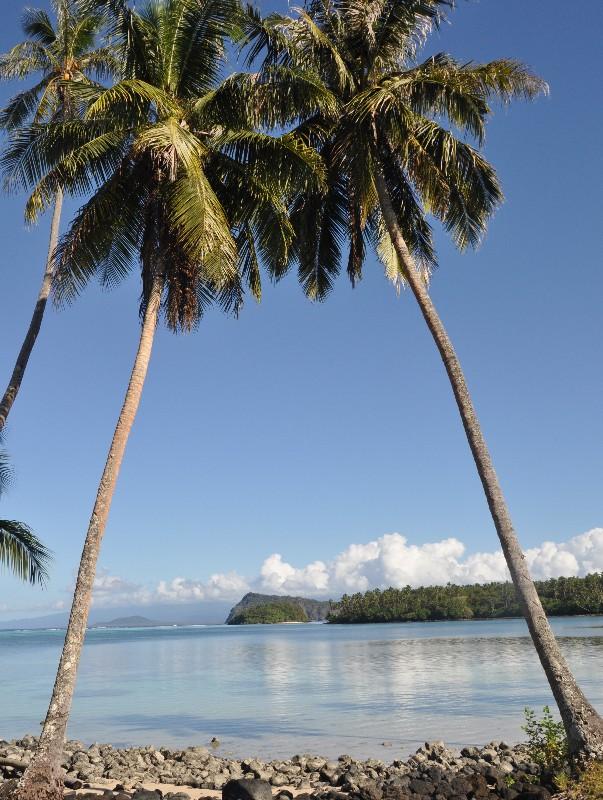 Apai Bay on Manono island