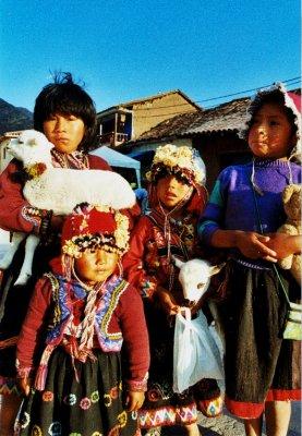 Kids in Pisac