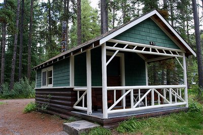 Johnston_Canyon_Cabin.jpg
