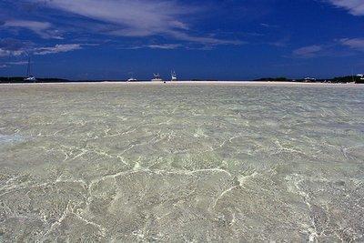 tahiti_beach_2.jpg