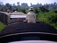 Auf dem Deck des Zugs von  Battambang to Phnom Penh