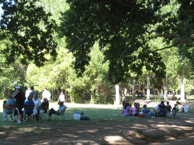 Families gather on weekend days at Parque de San Martin.