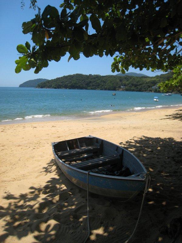Ilha Grande Praia Palmas boat