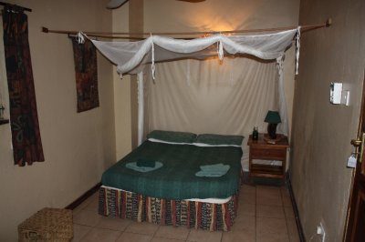 Room_at_Vic_Falls.jpg
