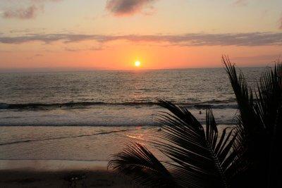 Sunset_in_Montanita.jpg