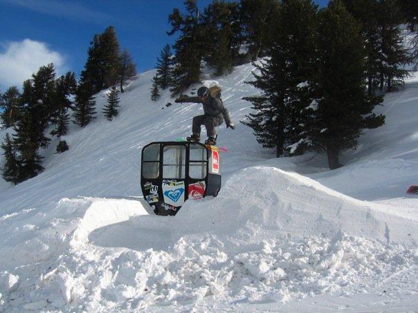 Gondella Jump / Rail in Verbier
