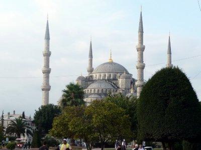 3Blue_Mosque.jpg