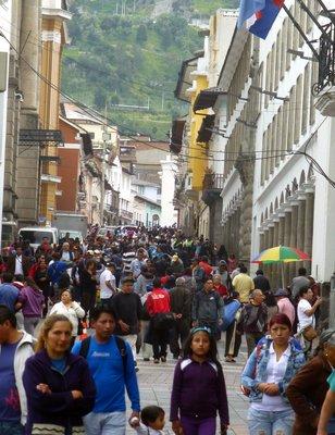 Crowded_Quito_street.jpg