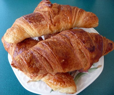 Fresh_Croissants.jpg