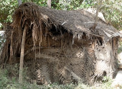 Grass_huts.jpg