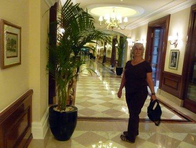 Imperial_hotel.jpg