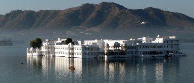 Lake_Palace.jpg