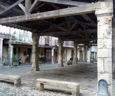 Market_hall_Lagrasse.jpg