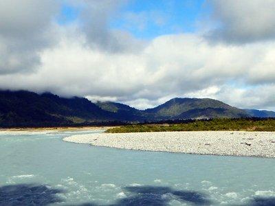 Okarito_River.jpg