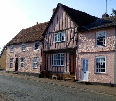 Tudor_houses_3.jpg