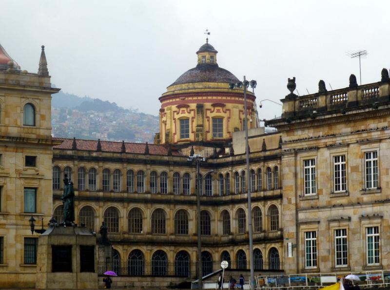 large_Bolivar_Plaza.jpg