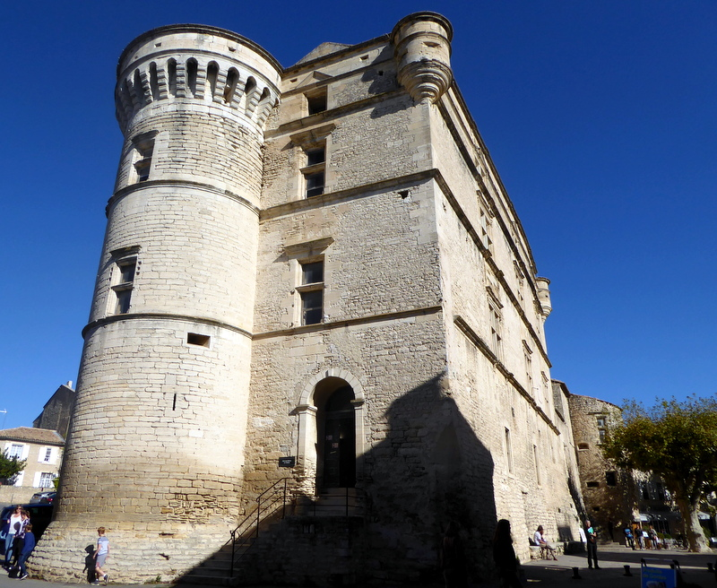large_Chateux_Gordes.jpg