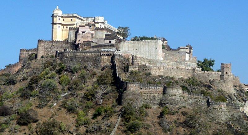large_Kumbhalgar_Castle.jpg
