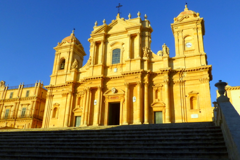 large_Noto_Cathedral.jpg
