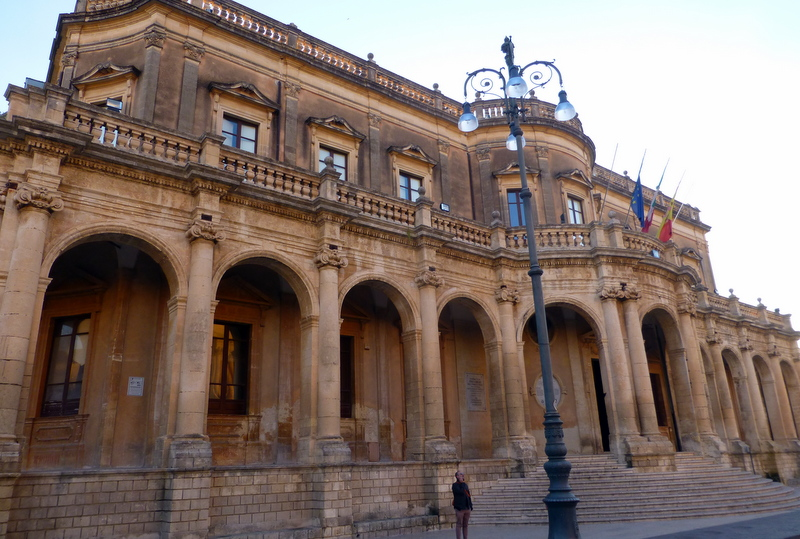 large_Noto_Palace.jpg