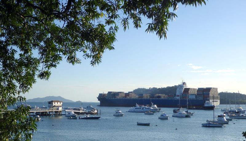 large_Panama_canal.jpg